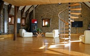 Bellos acabados interiores de casas