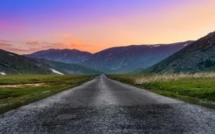 Paisaje de colores en la carretera