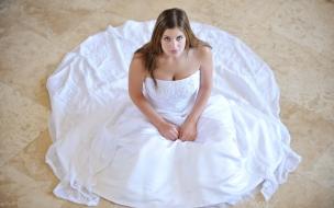 Mujer con vestido de novia