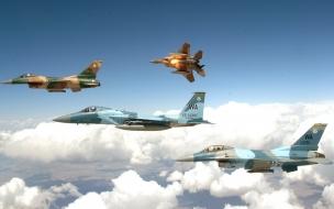 Aviones F16 volando