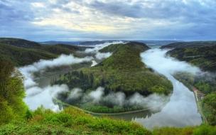 Vista aérea de un rio amazónico