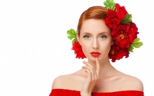 Peinado con rosas rojas