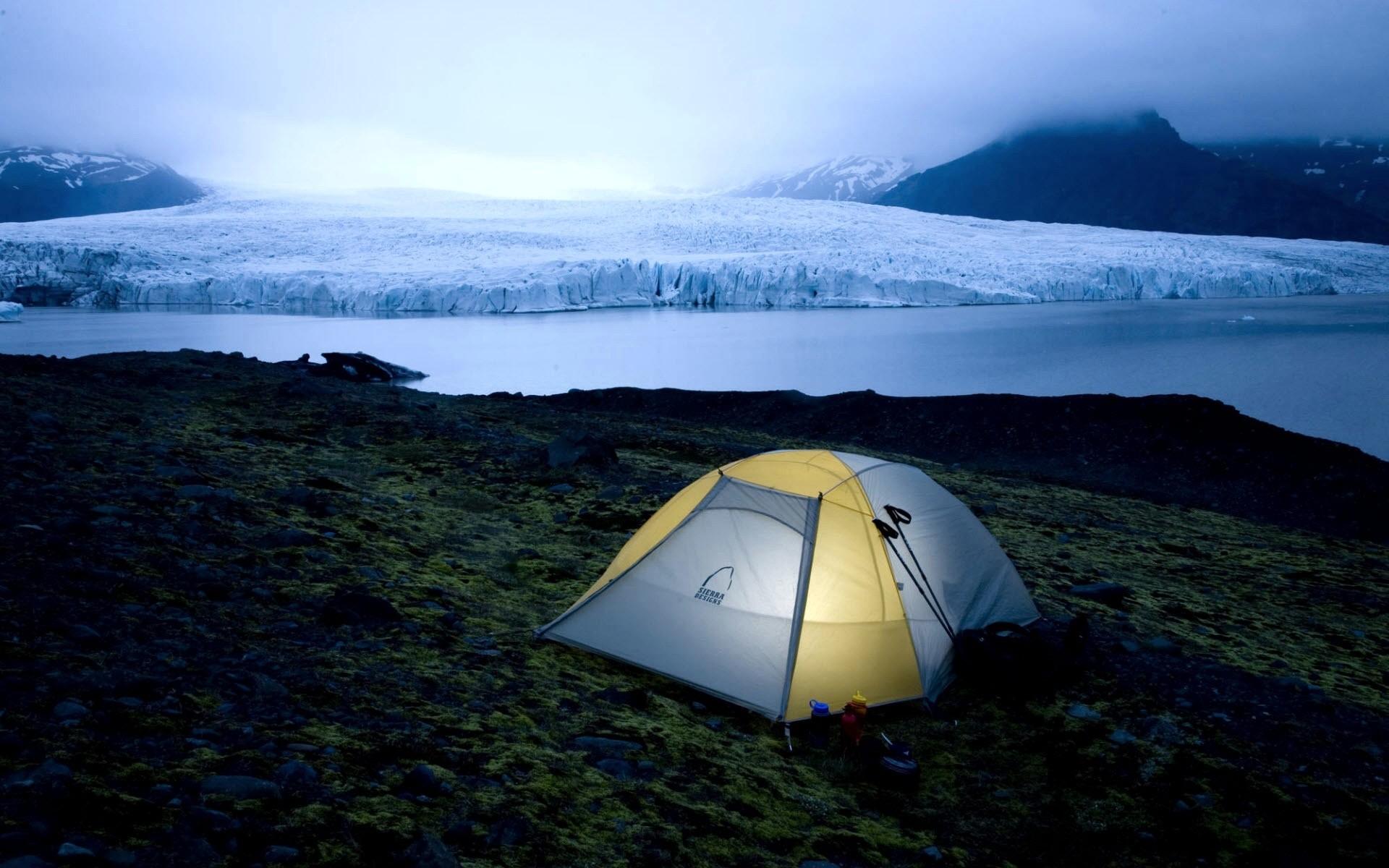 Acampando en el frio - 1920x1200