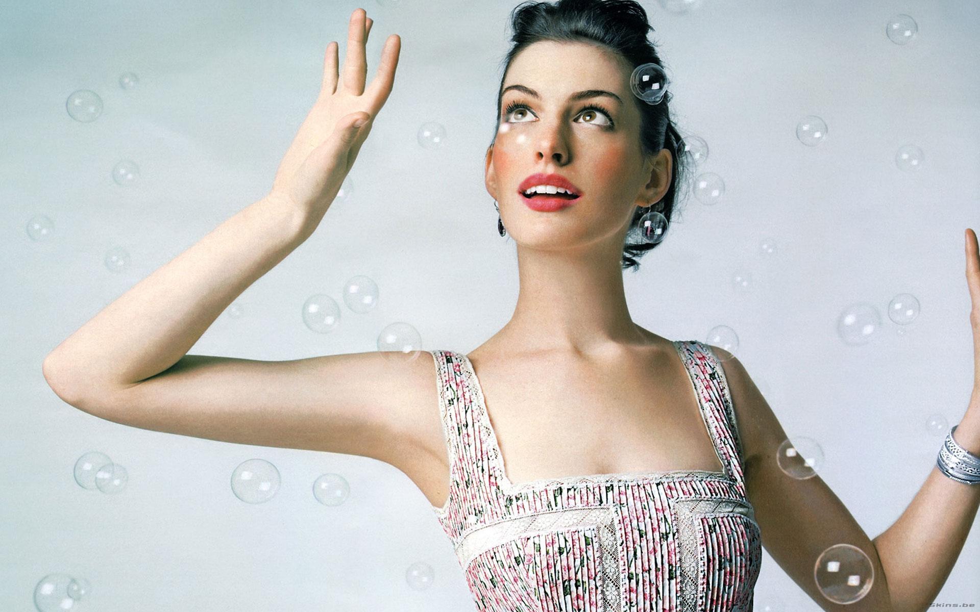 Anne Hathaway - 1920x1200