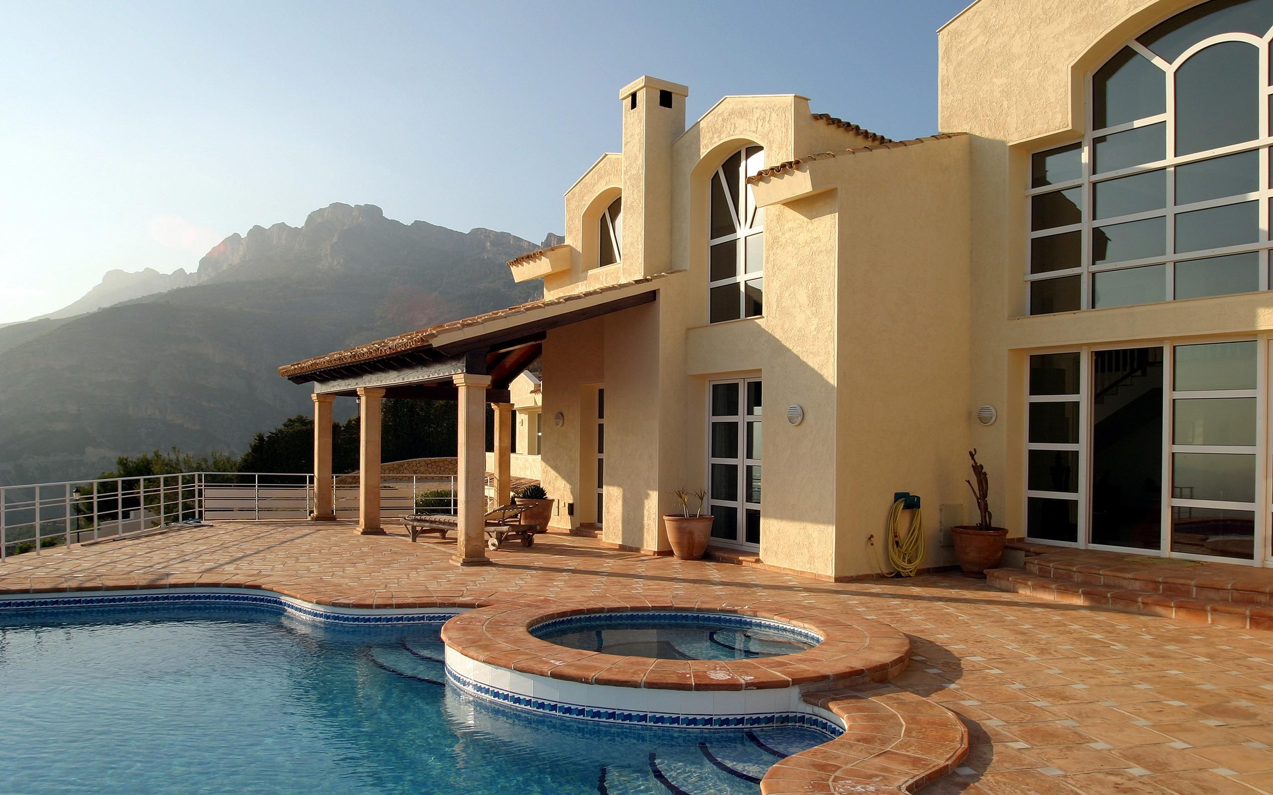 Arquitectura de Casa con piscina - 2560x1600
