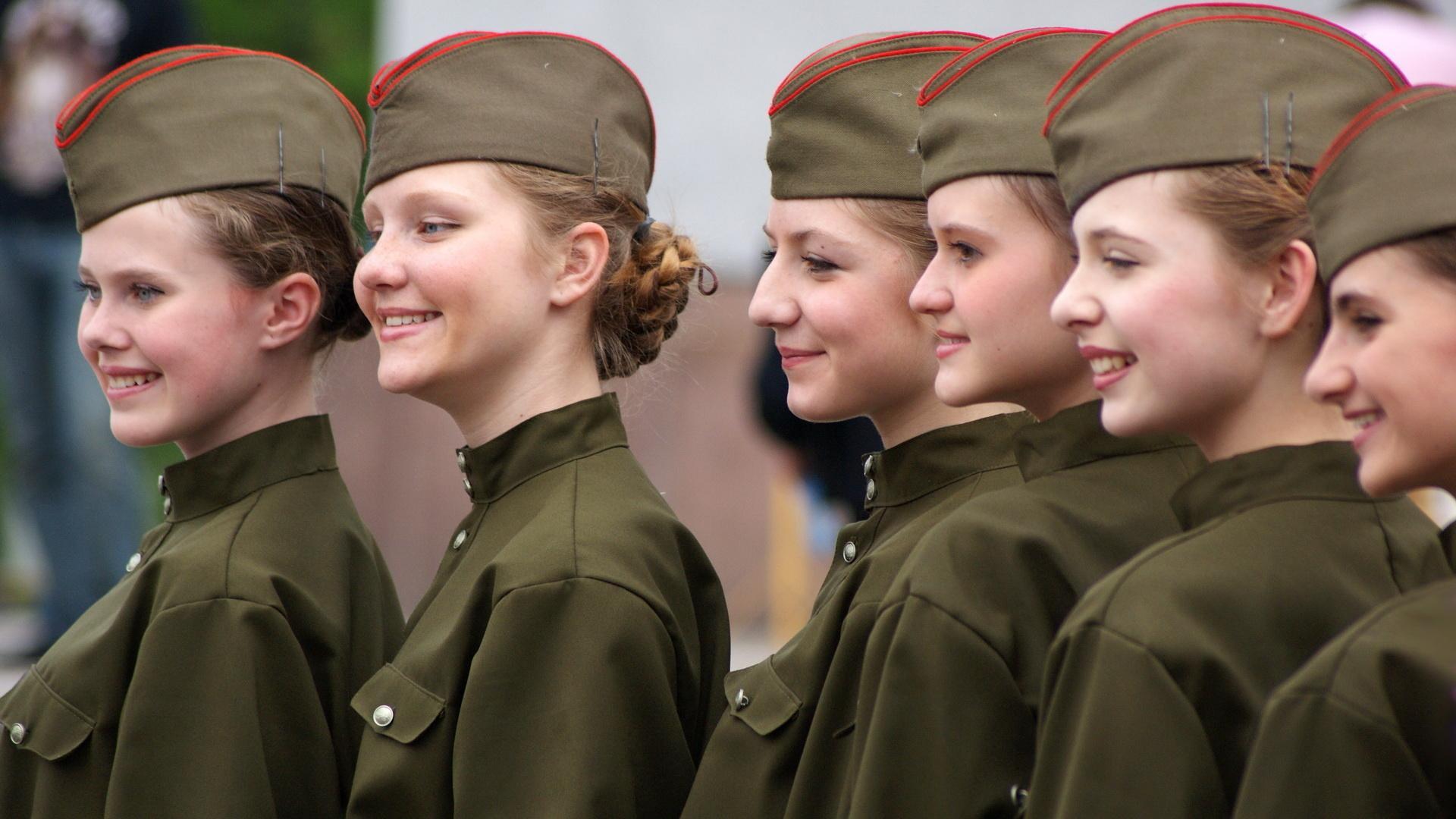 Bellas chicas soldados - 1920x1080