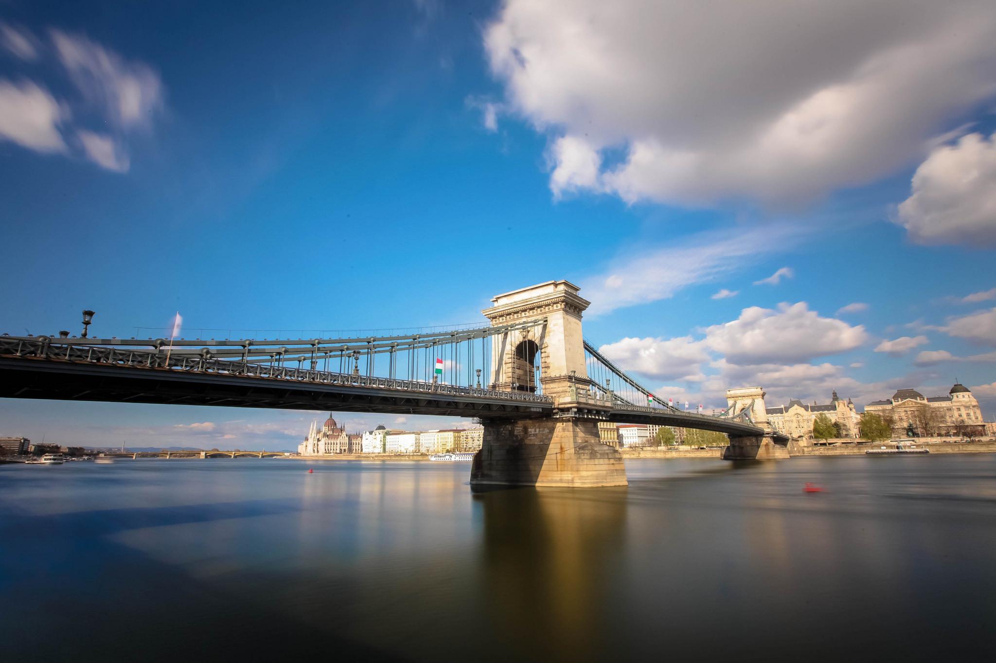 Bello puente en Italia - 2048x1365