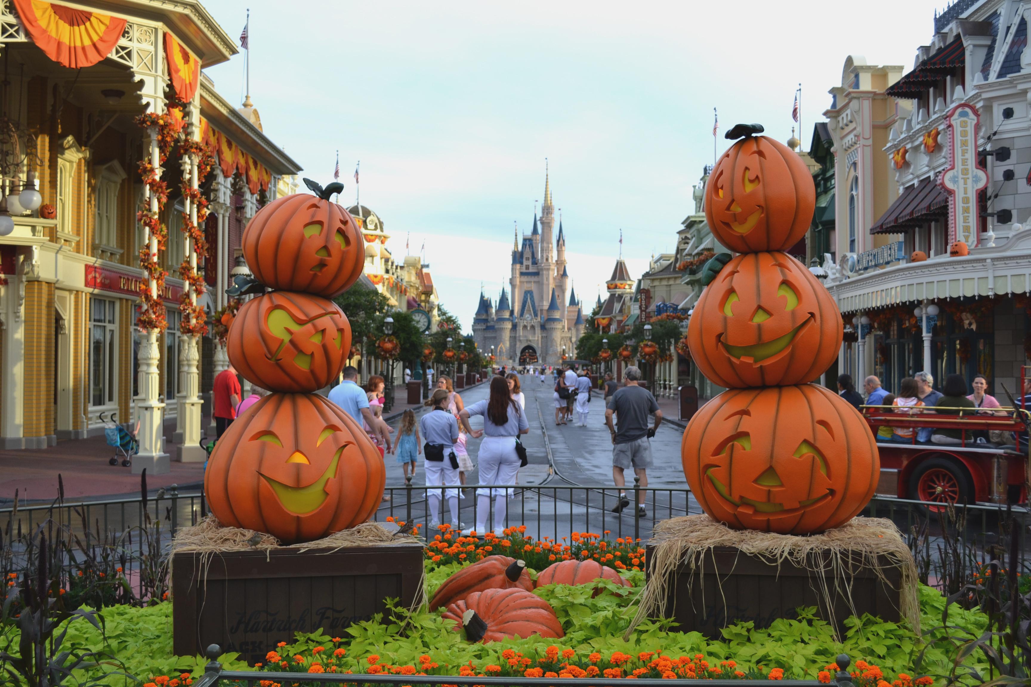 Calles decoradas por halloween - 3456x2304
