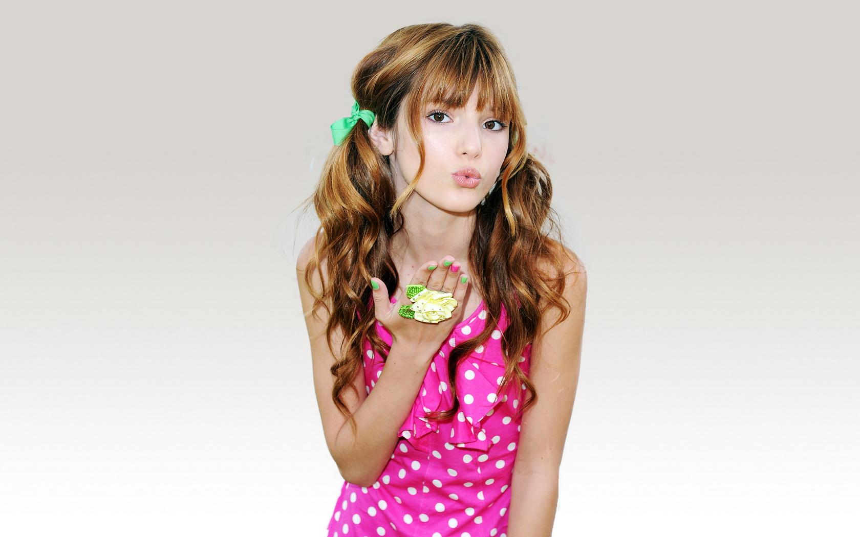 Chica asiática bella - 1680x1050