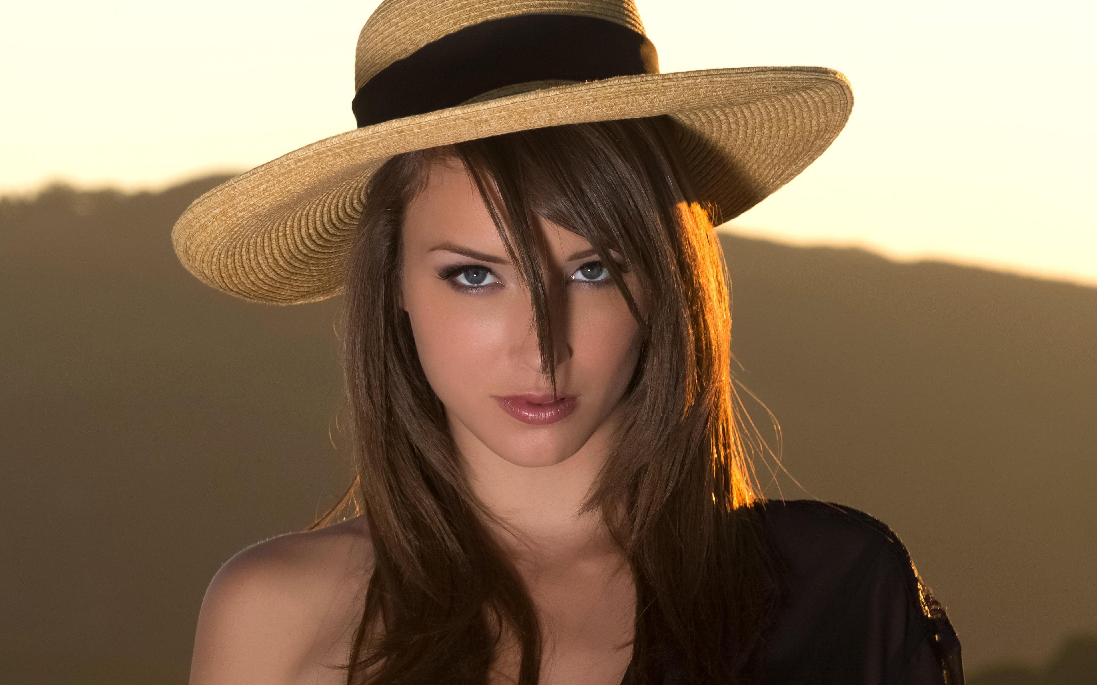Chicas con sombrero - 3840x2400