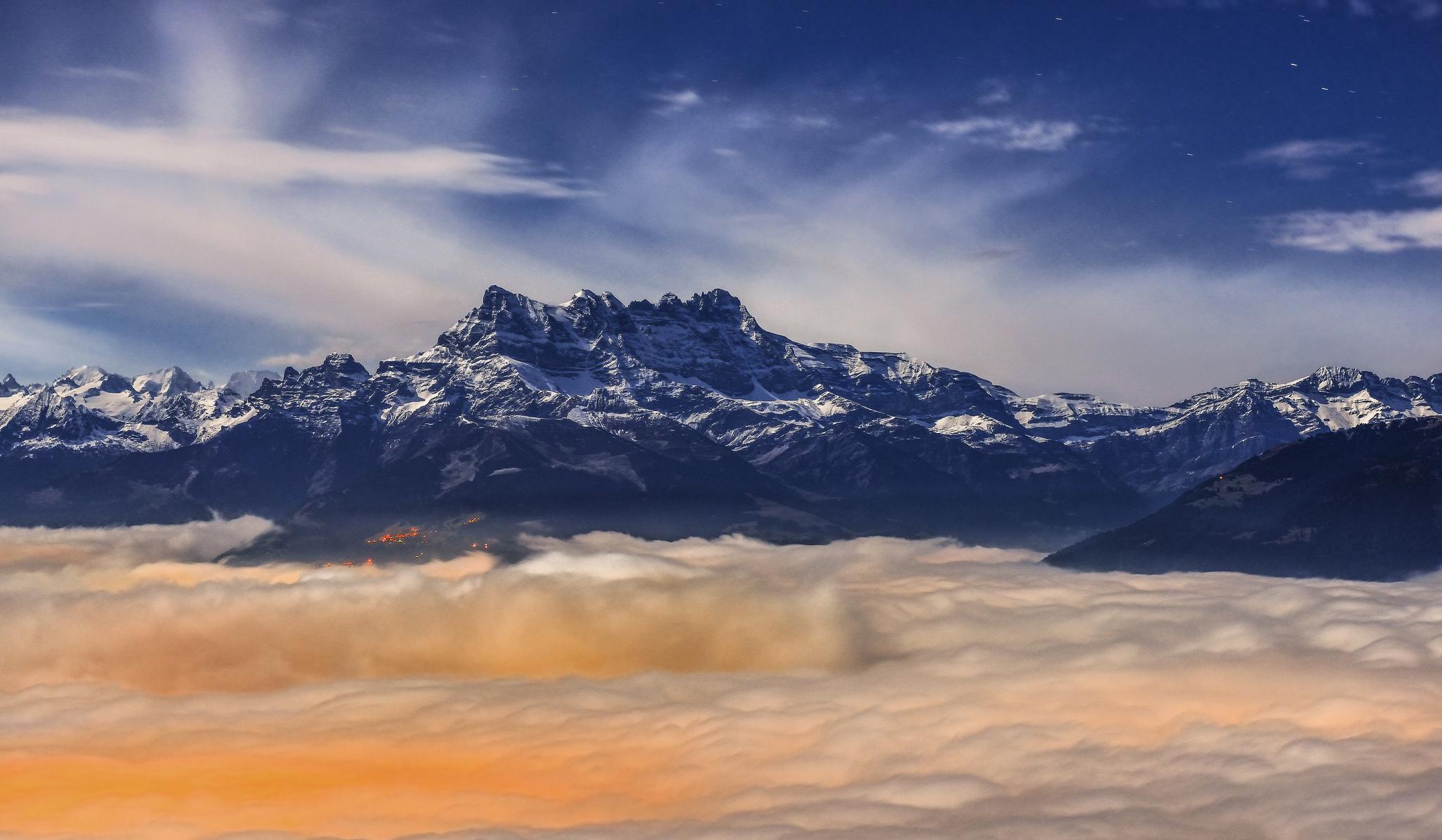 Cordillera de los Andes en Perú - 2048x1193