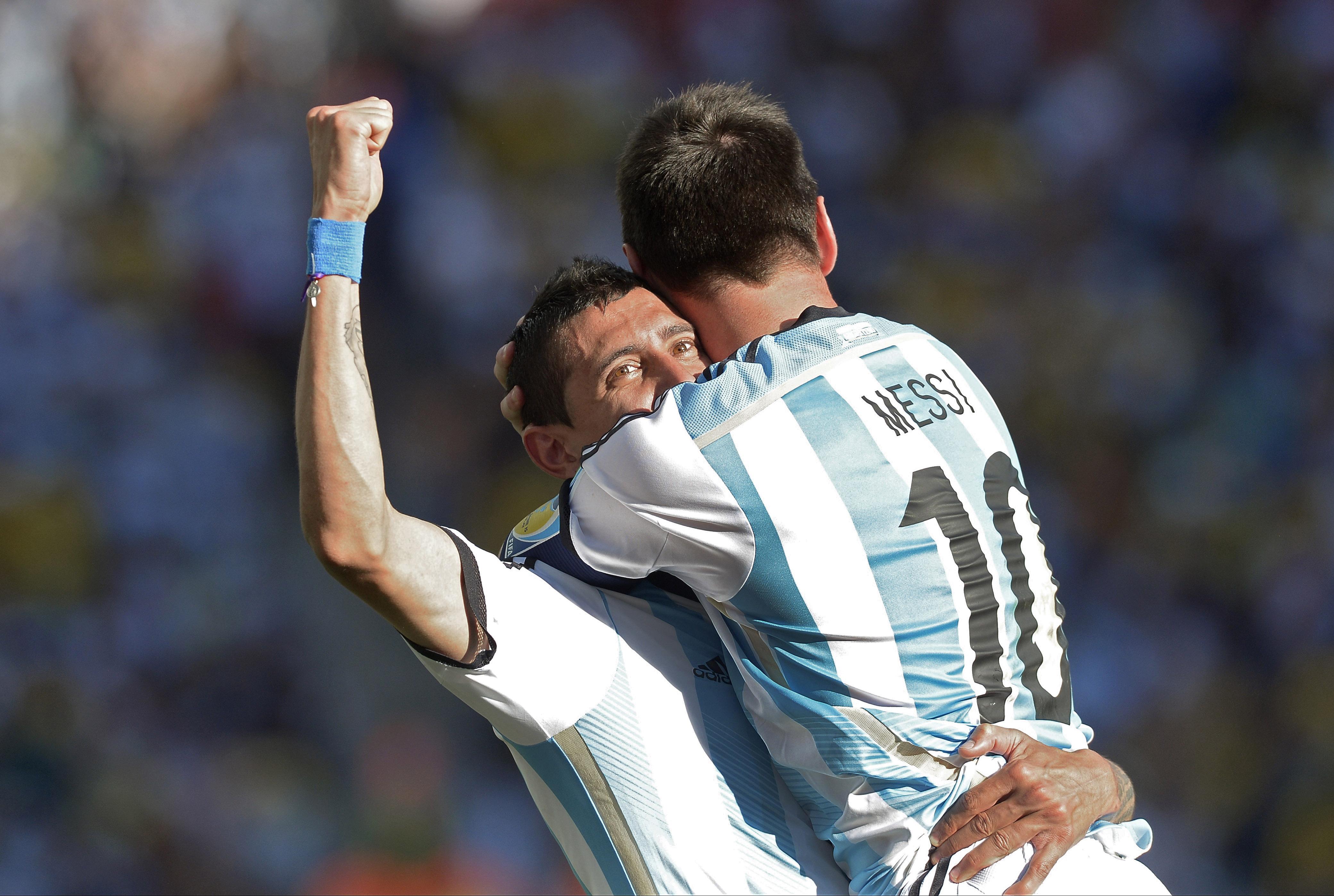 David Villa y Messi - 4162x2797