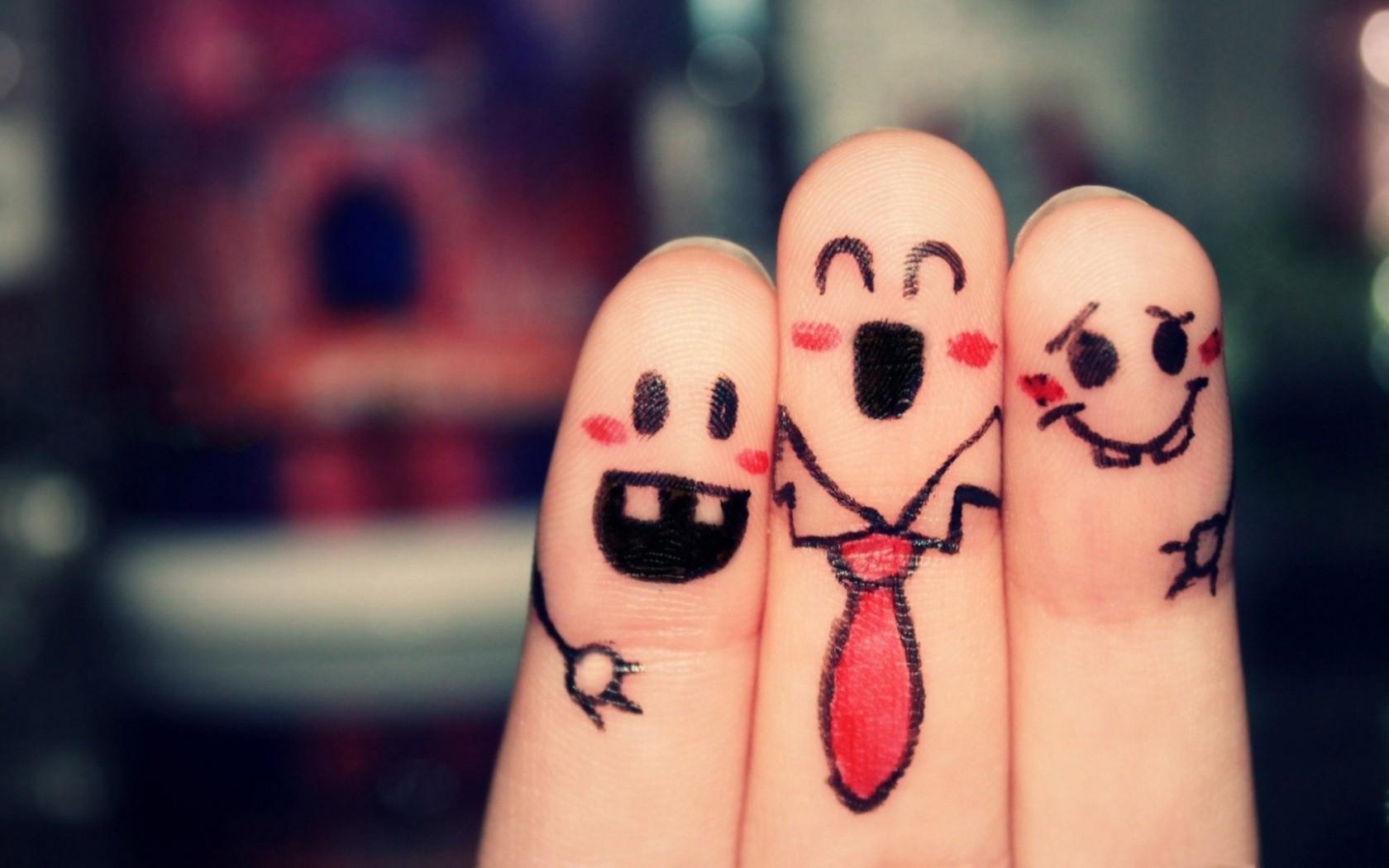 Dedos graciosos - 1680x1050