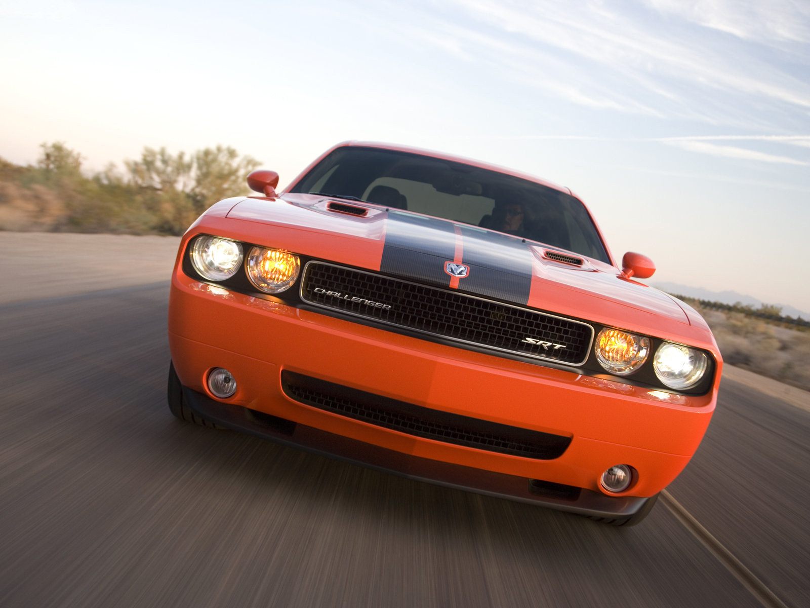 Dodge Challenger SRT-8 - 1600x1200