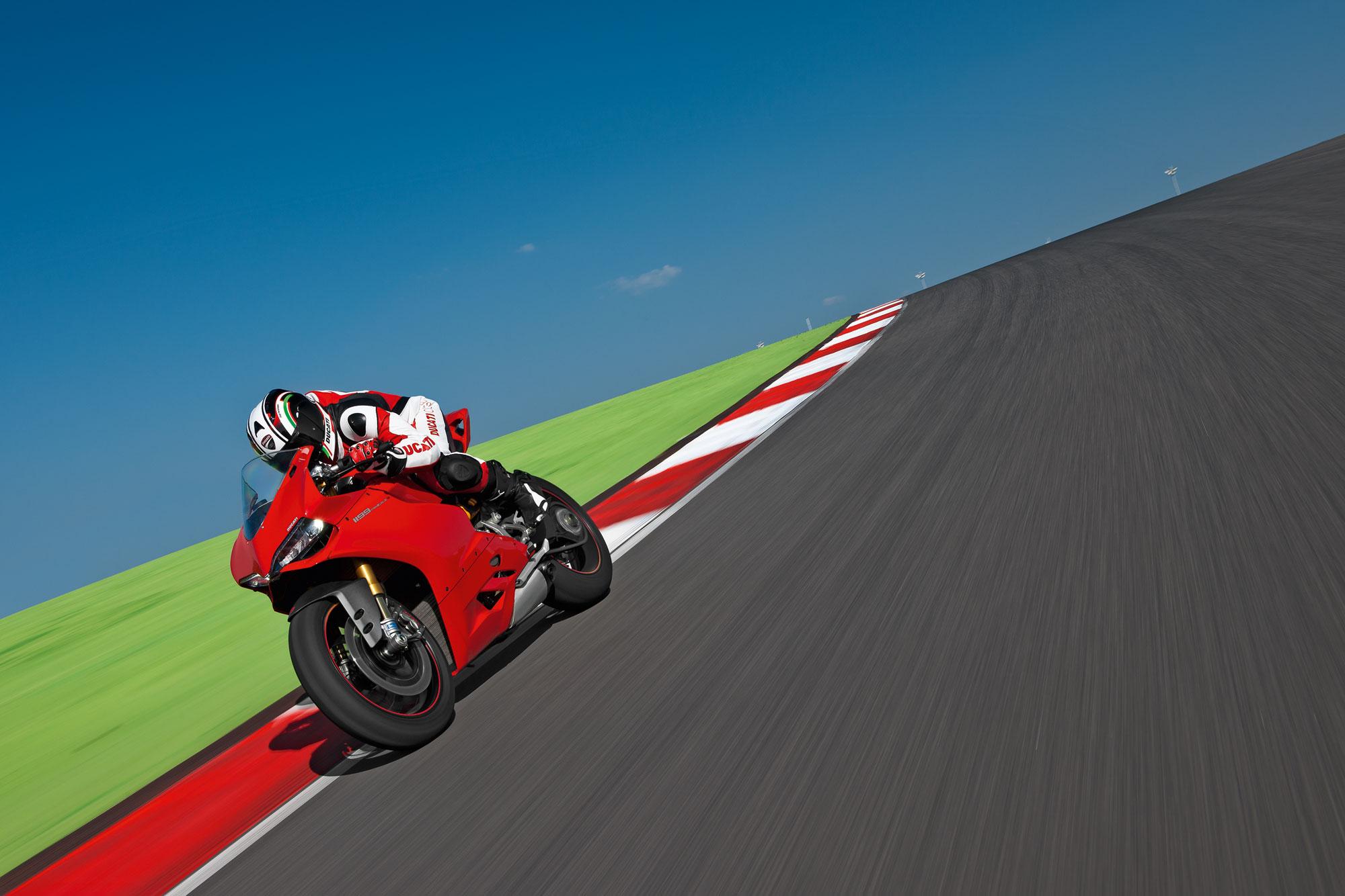 Ducati 1199 Panigale - 2000x1334