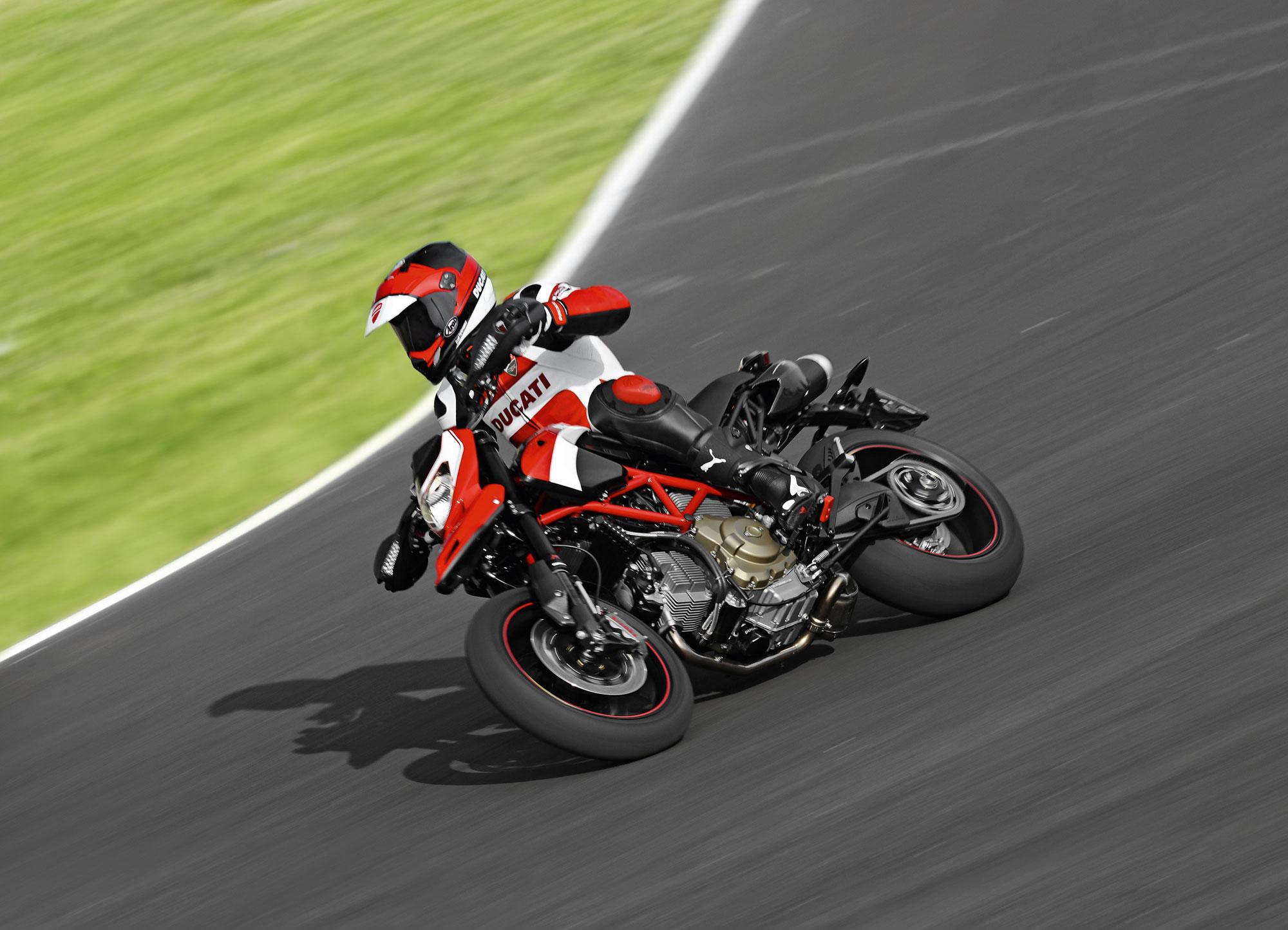 Ducati Hypermotard 1100 EVO - 2000x1445