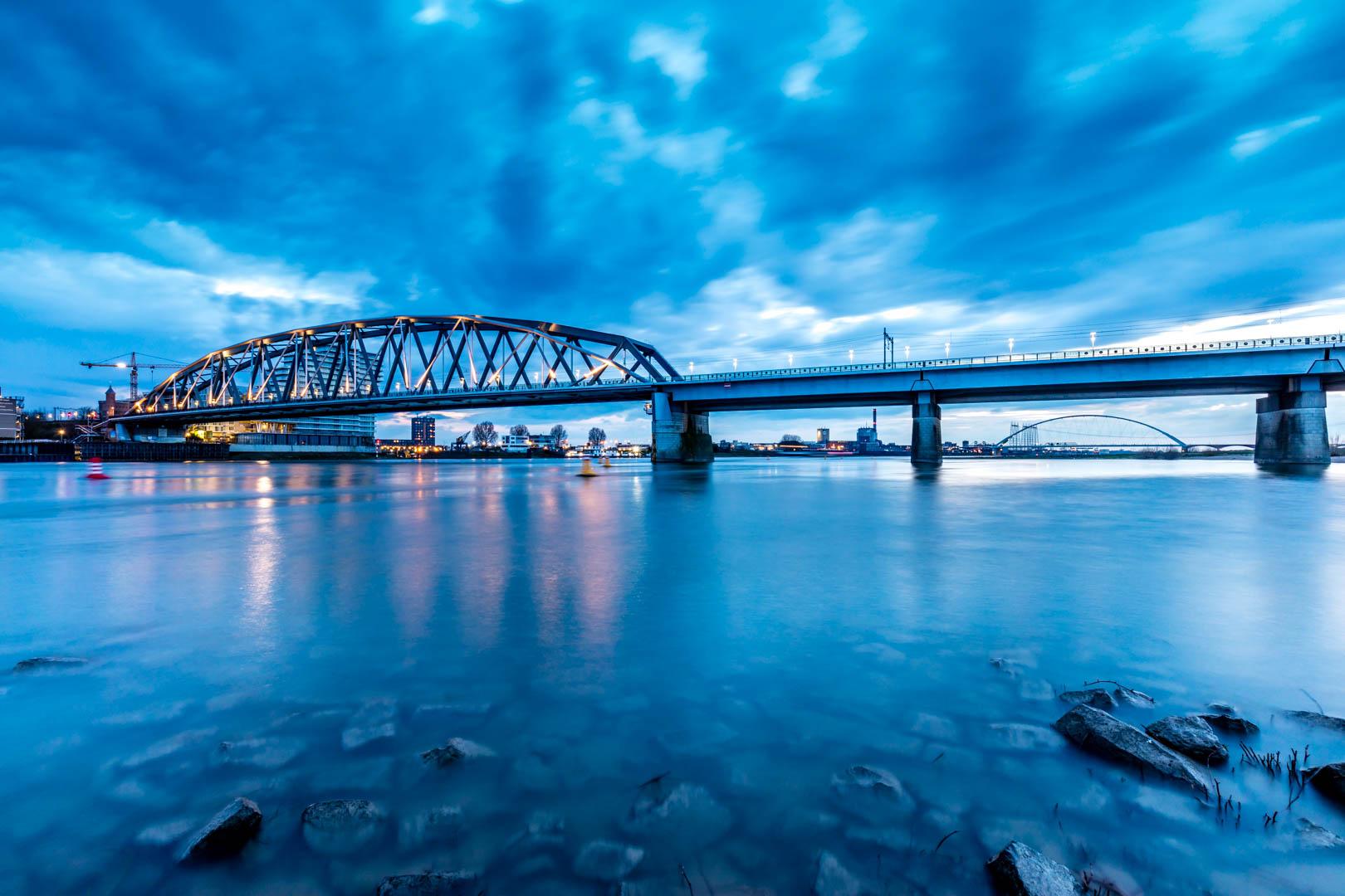 El puente en Nijmegen - 1620x1080