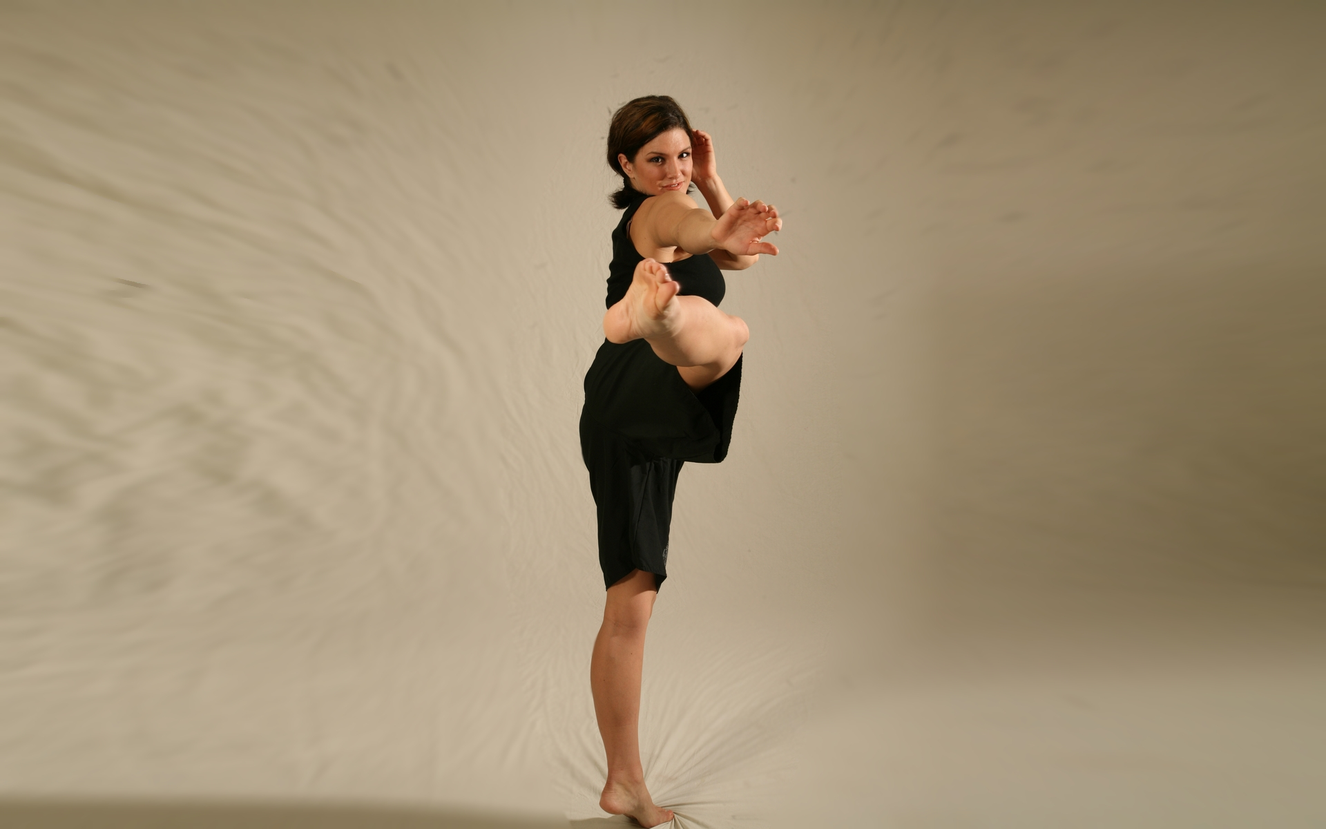 Gina Carano deportista - 1920x1200