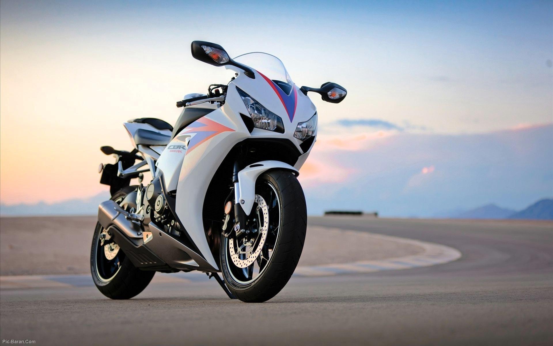 Honda CBR1000RR - 1920x1200
