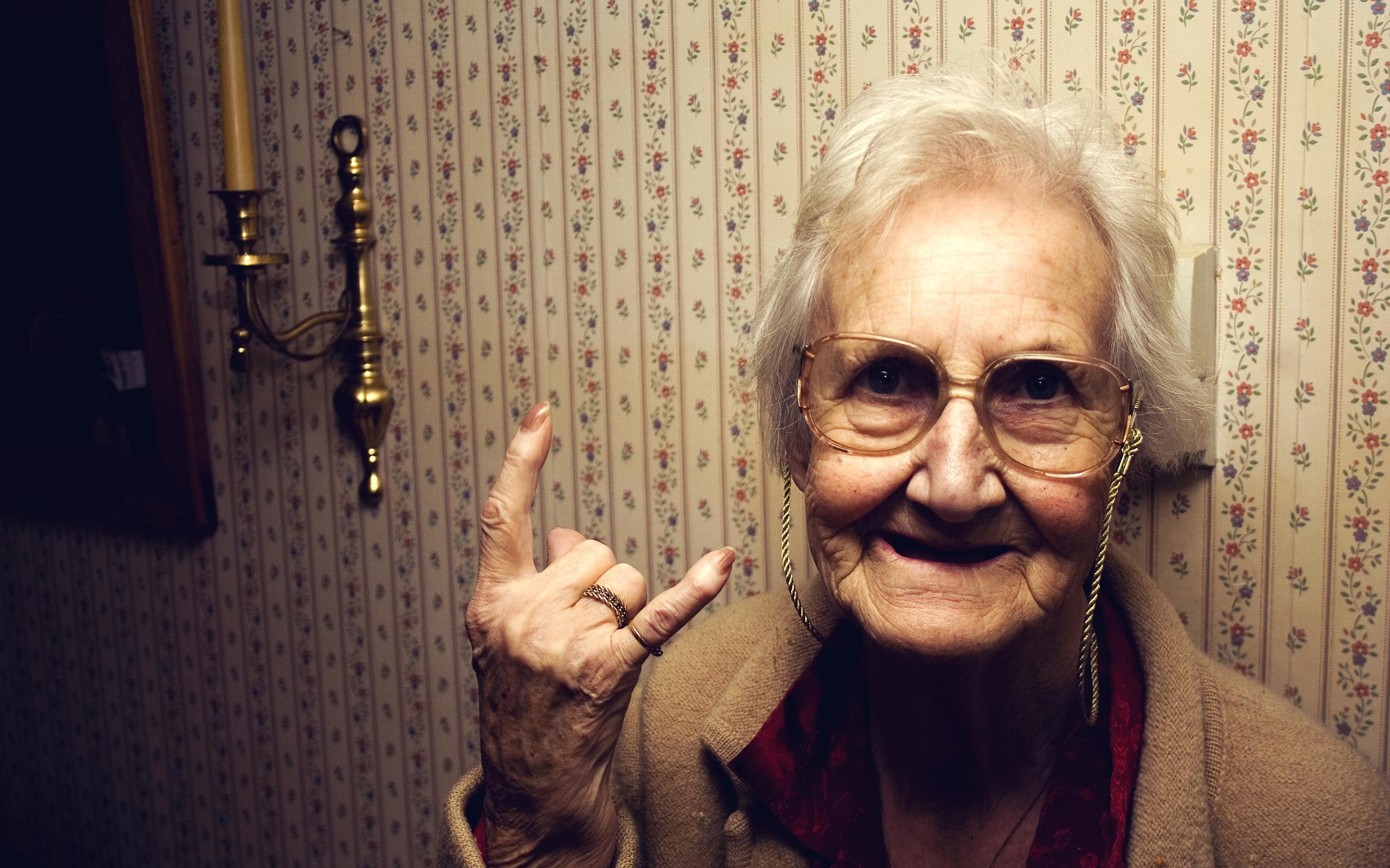 La abuela rockera - 2560x1600