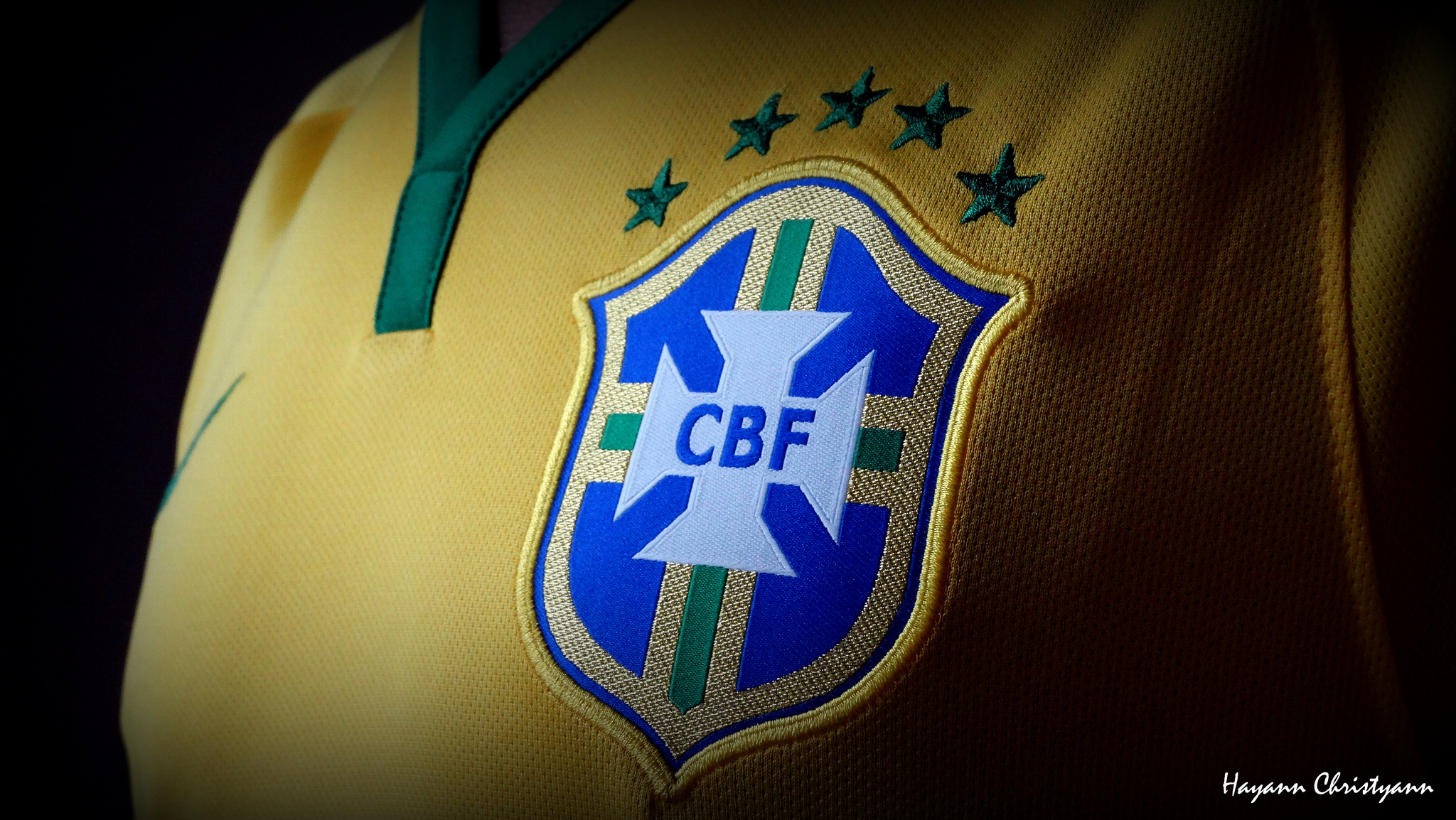 La camiseta de Brasil 2014 - 2048x1154