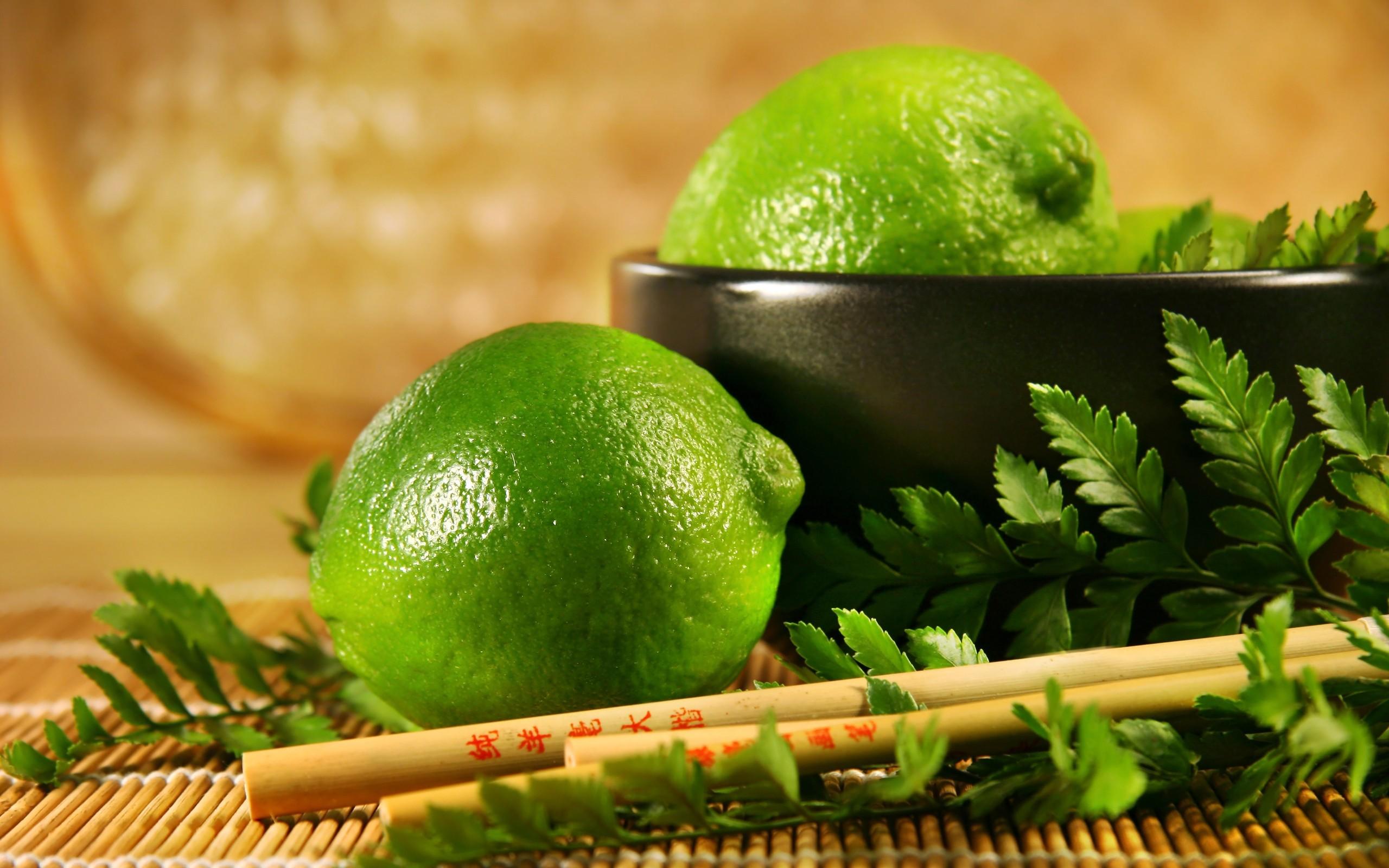 Limón peruano en cocina china - 2560x1600