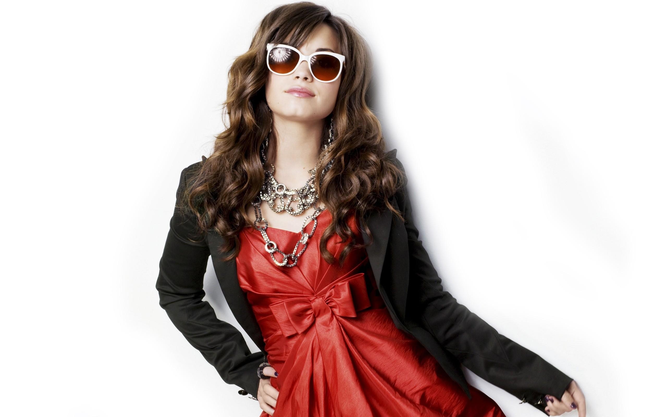 Look de Demi Lovato - 2560x1600