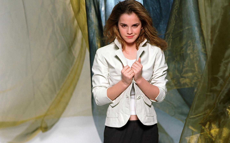 Look de Emma Watson - 1440x900