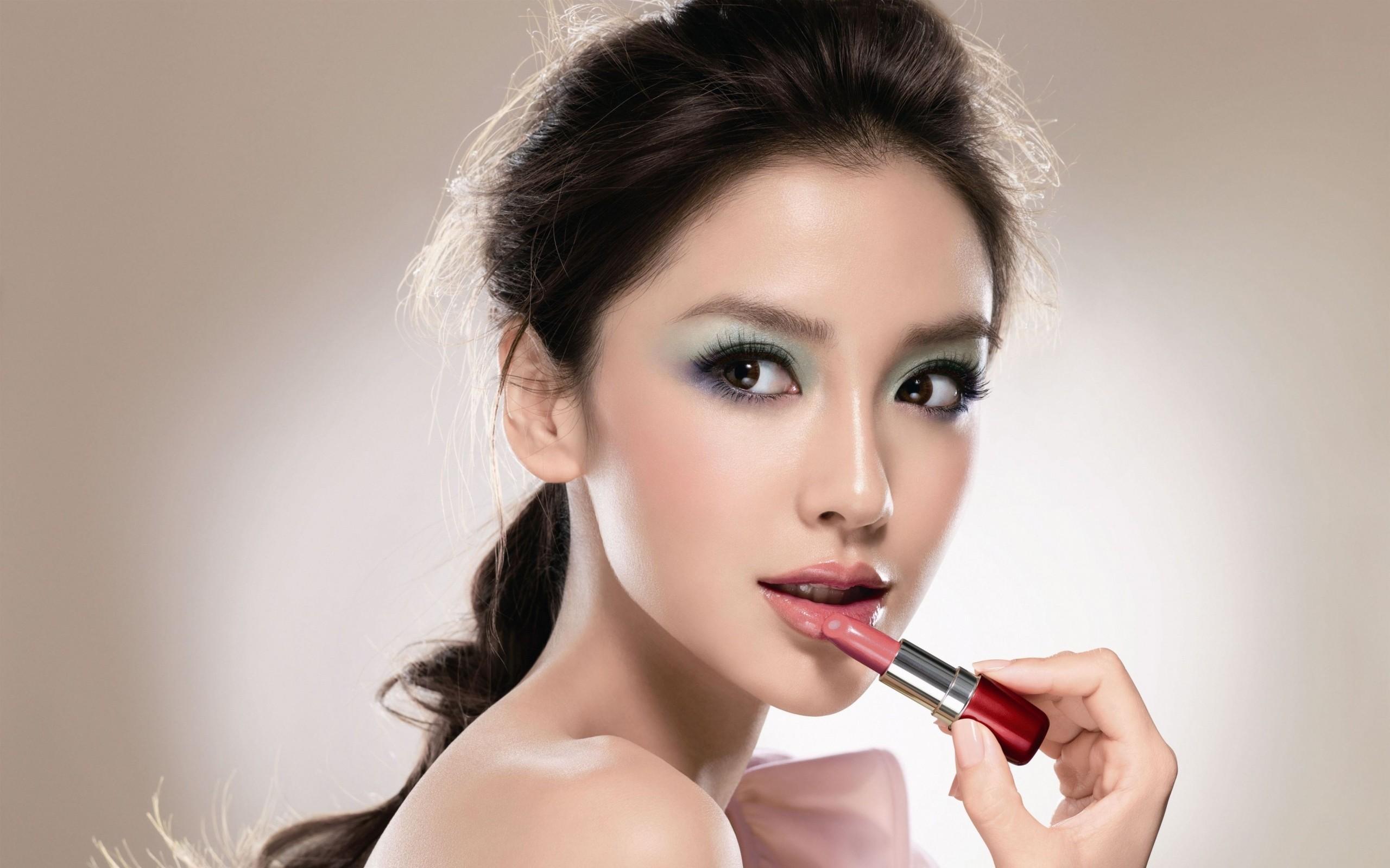Maquillajes facial - 2560x1600