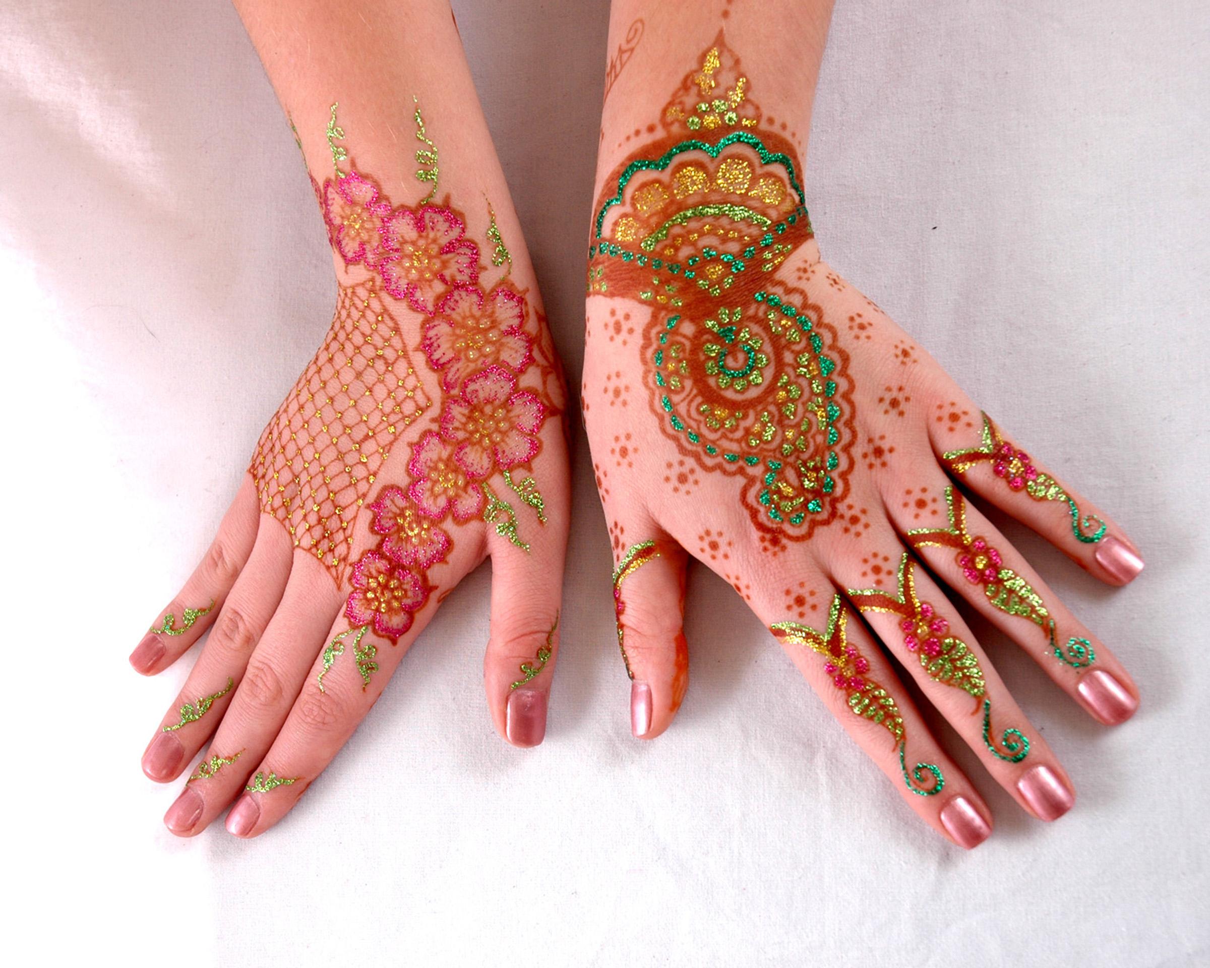 Mehandi, decoración en manos - 2400x1920