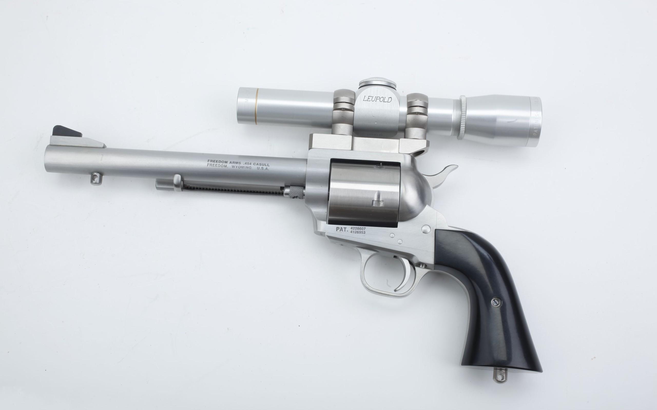 Modelo 3D de revólver - 2560x1600