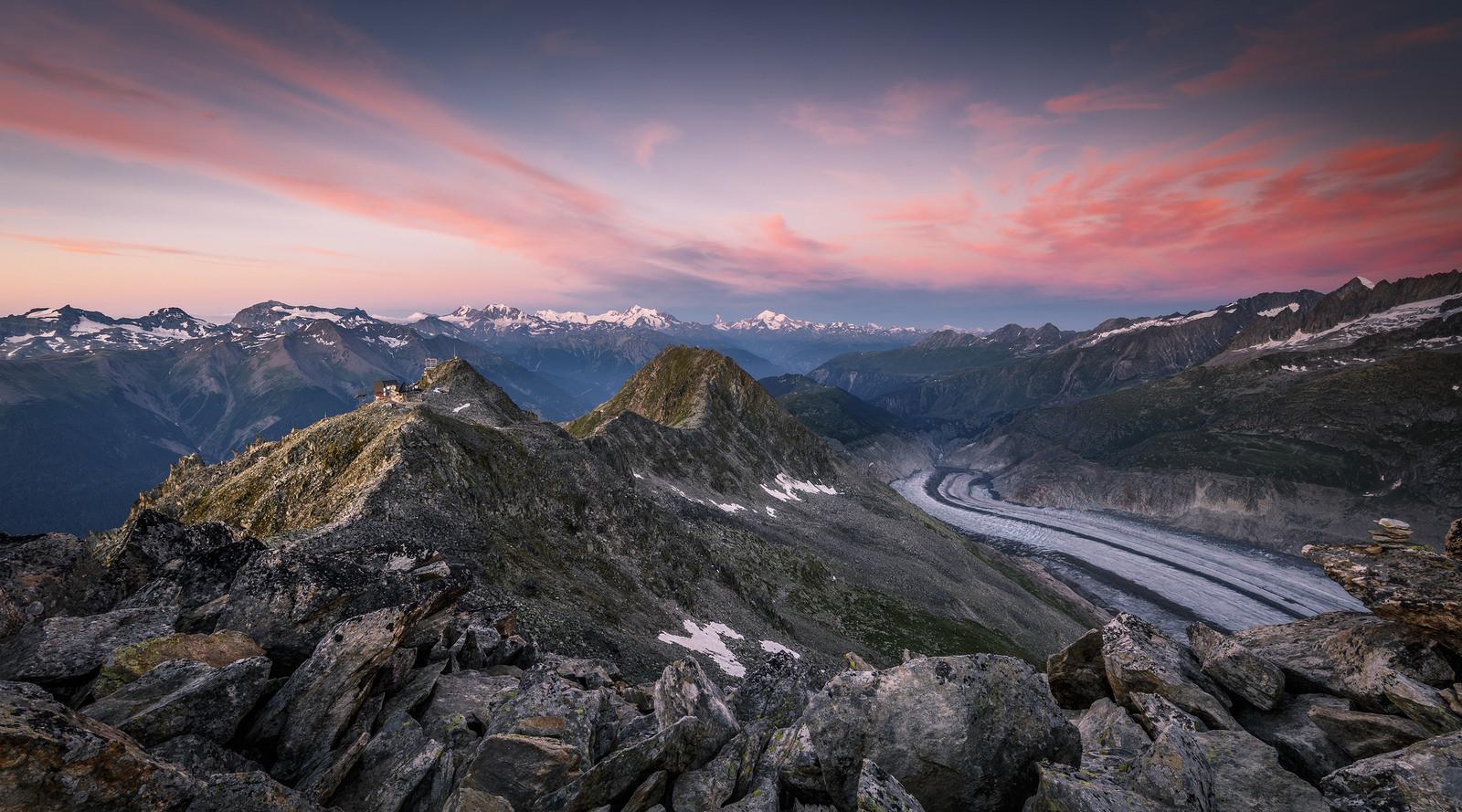 Montañas en los Alpes - 1600x889