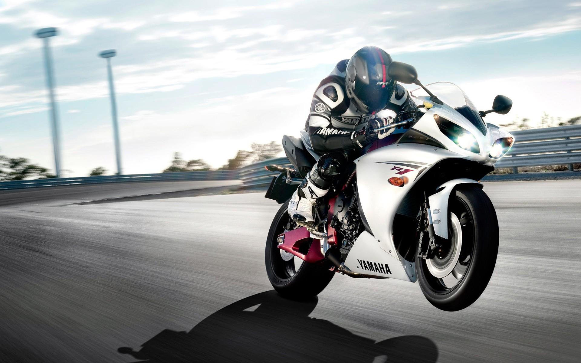 Motos Yamaha - 1920x1200