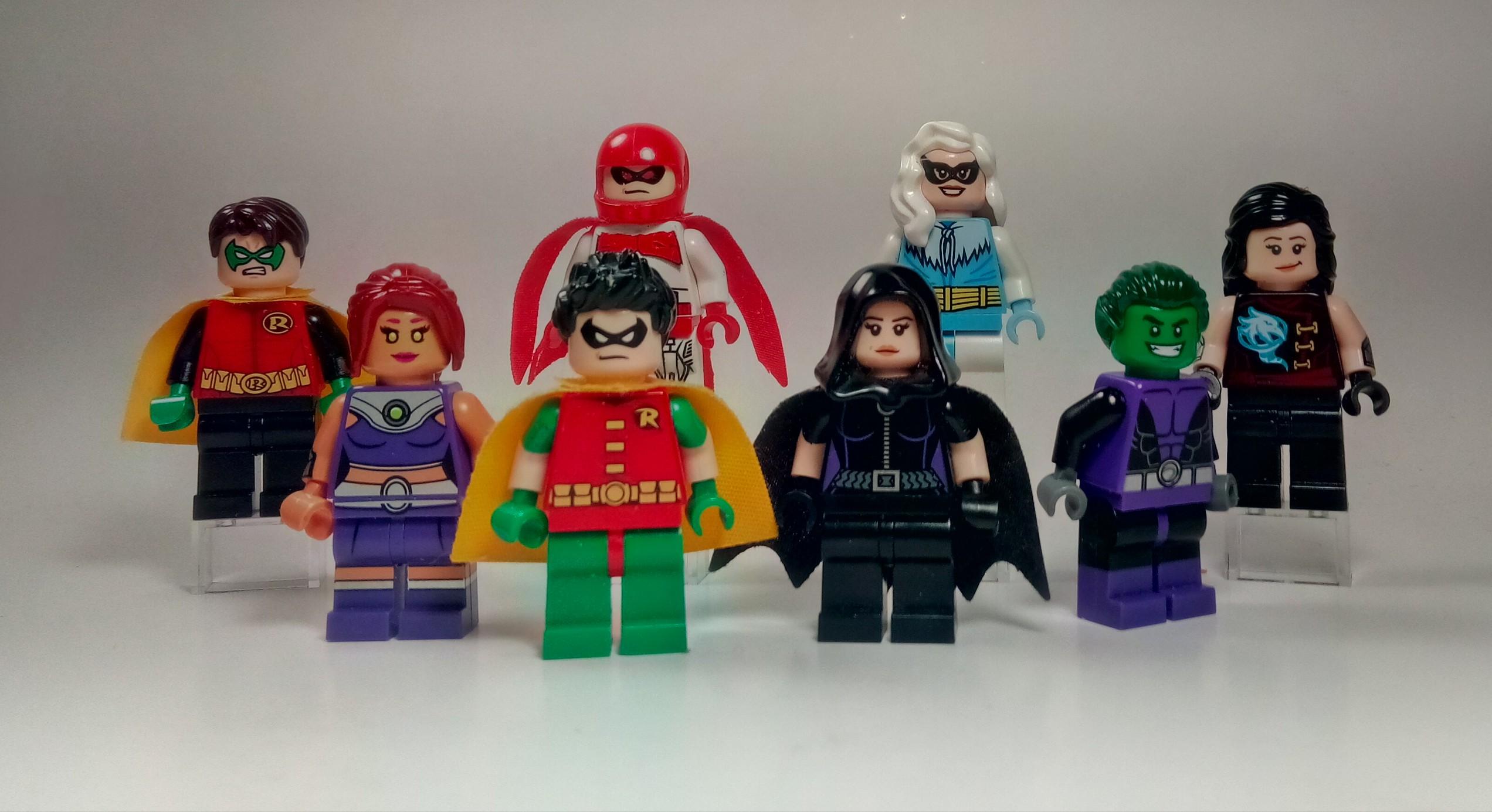 Muñecos de lego de super héroes - 2544x1385