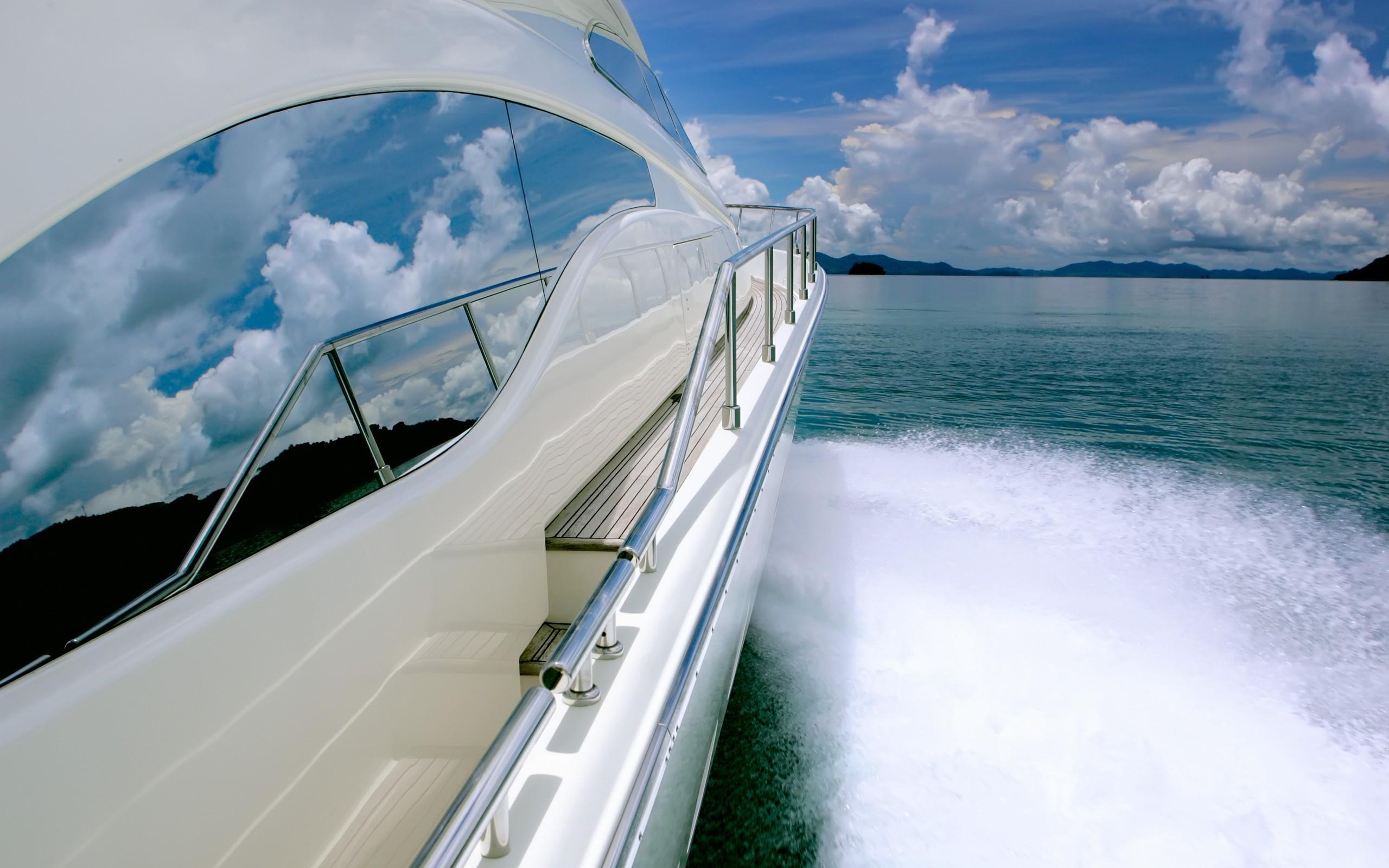 Paseando en un bote - 2560x1600