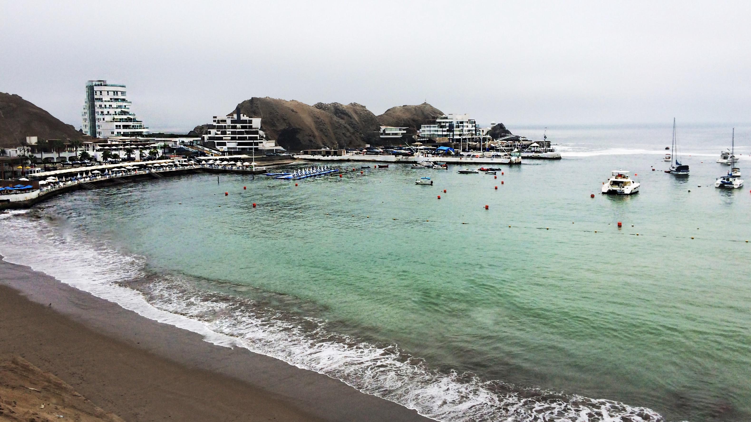Playa Los Embajadores - Lima Sur - 3159x1775