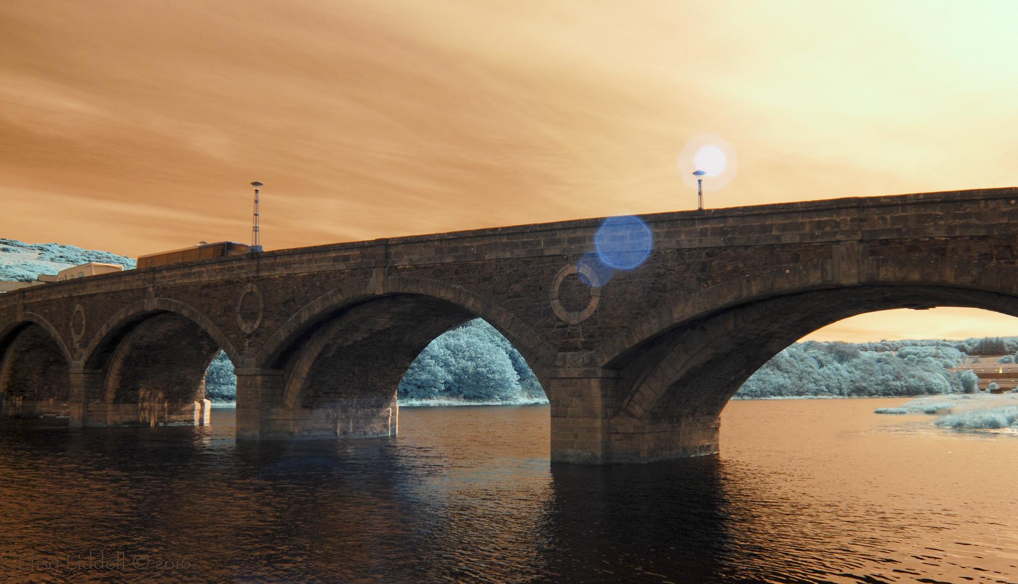 Puentes y puestas de sol - 2048x1176