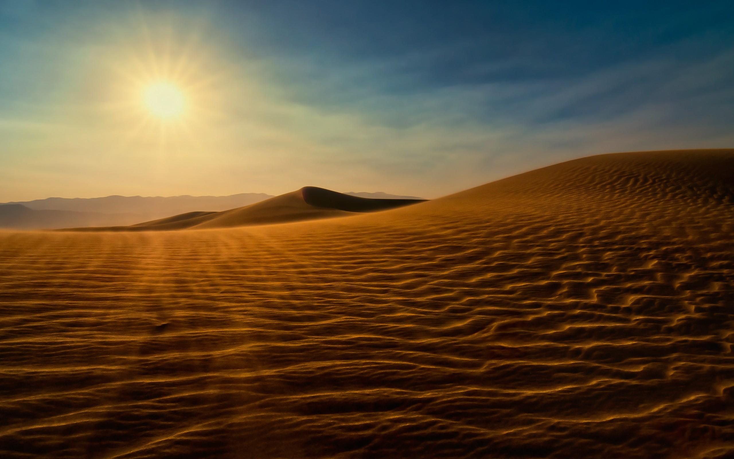 Puesta de sol en un desierto - 2560x1600
