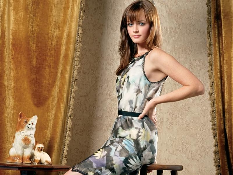Alexis Bledel en vestido - 800x600