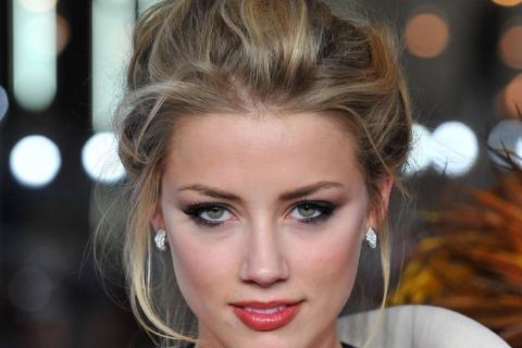 Amber Heard - 480x320