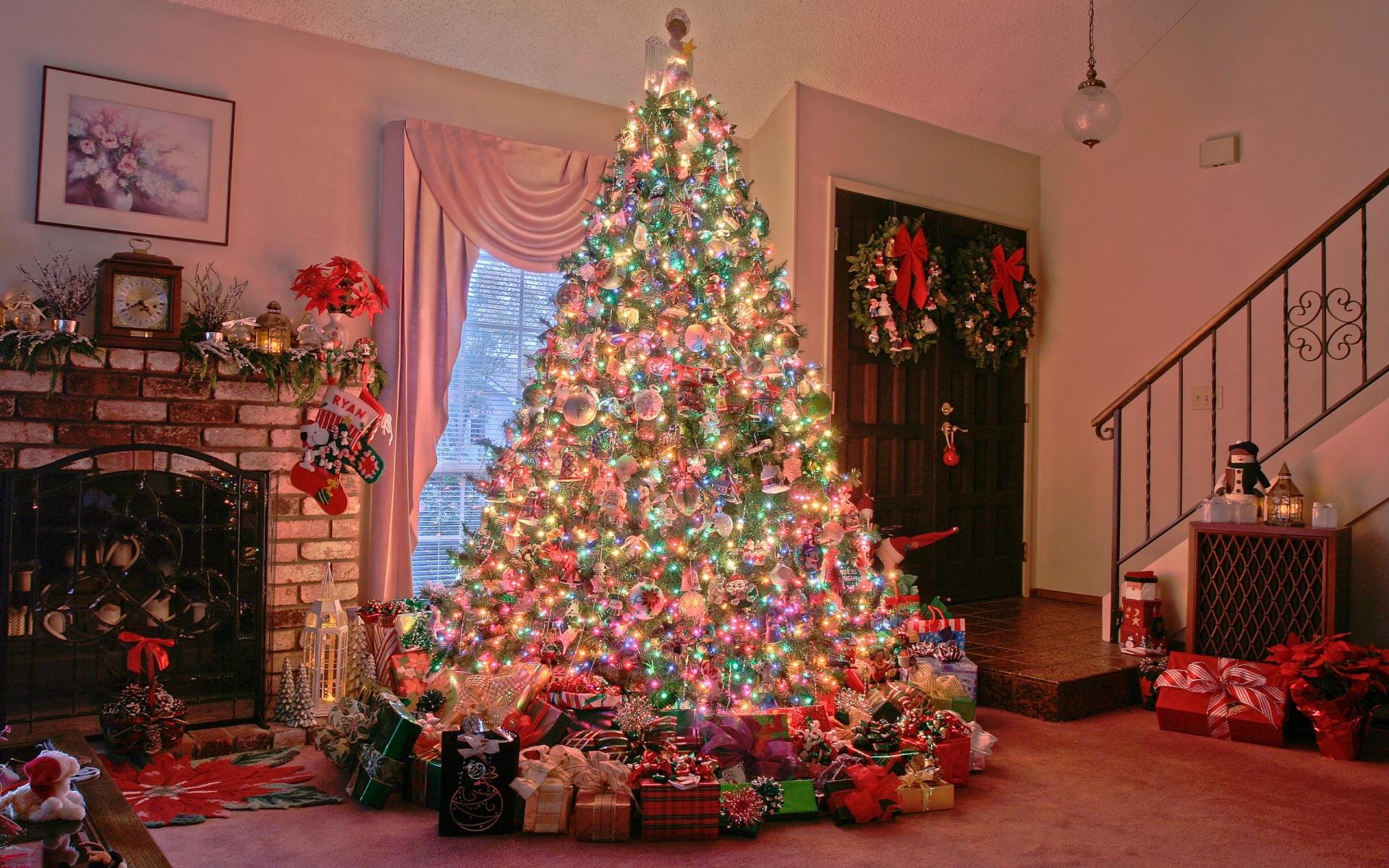 Arbol de navidad y decenas de regalos - 1920x1200