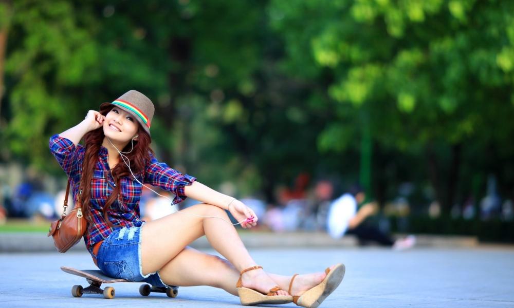 Asiática en Skate - 1000x600