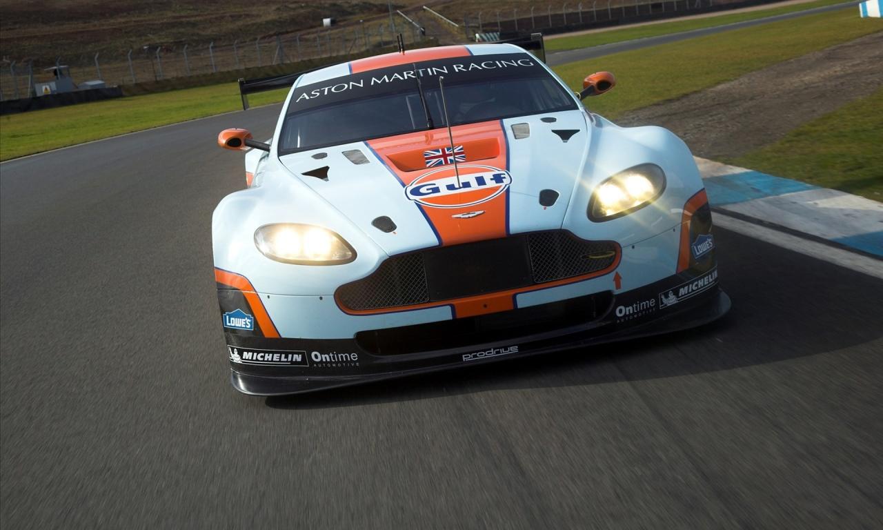 Aston Martin de carreras - 1280x768