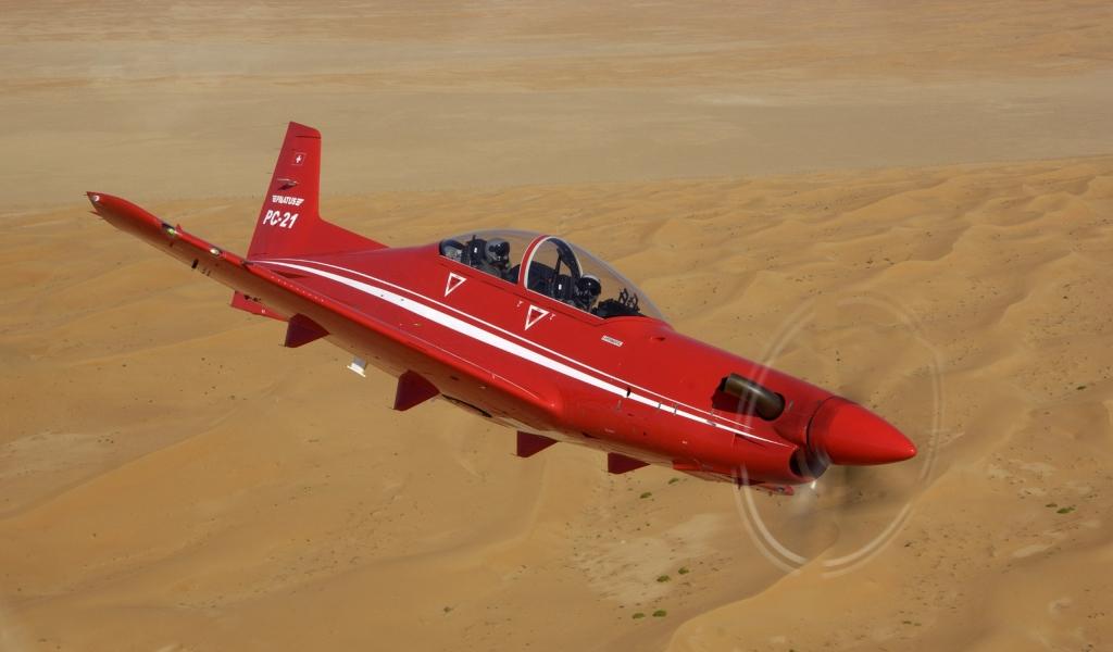 Avion acrobático volando - 1024x600
