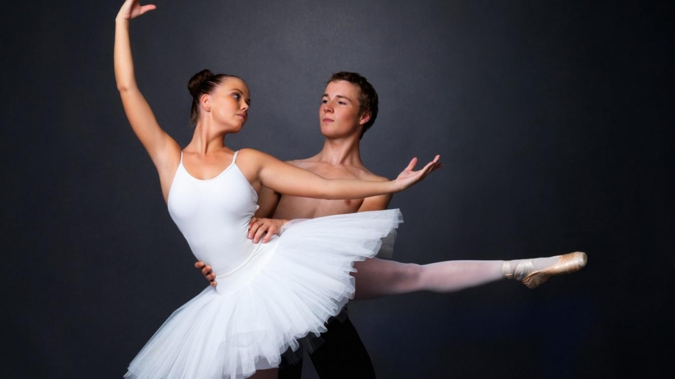 Baile de Ballet - 1366x768