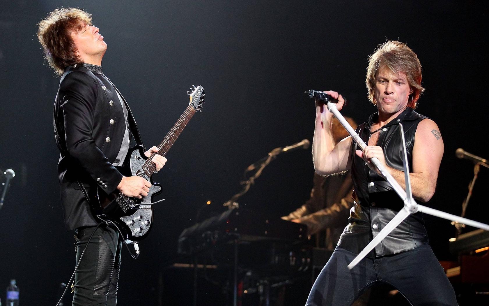 Bon Jovi en concierto - 1680x1050