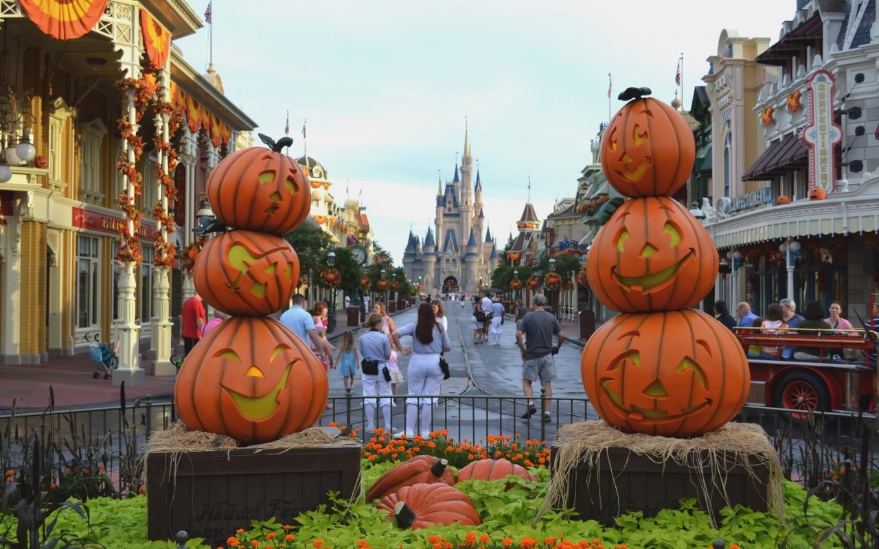 Calles decoradas por halloween - 1280x800