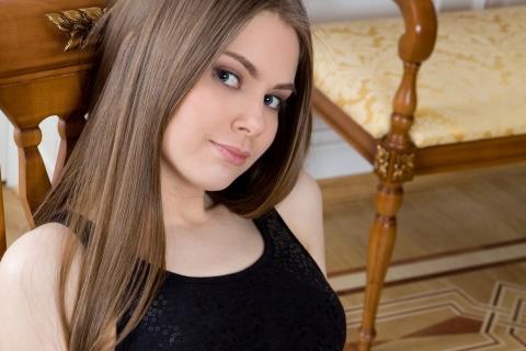 Chica de pelo largo - 480x320