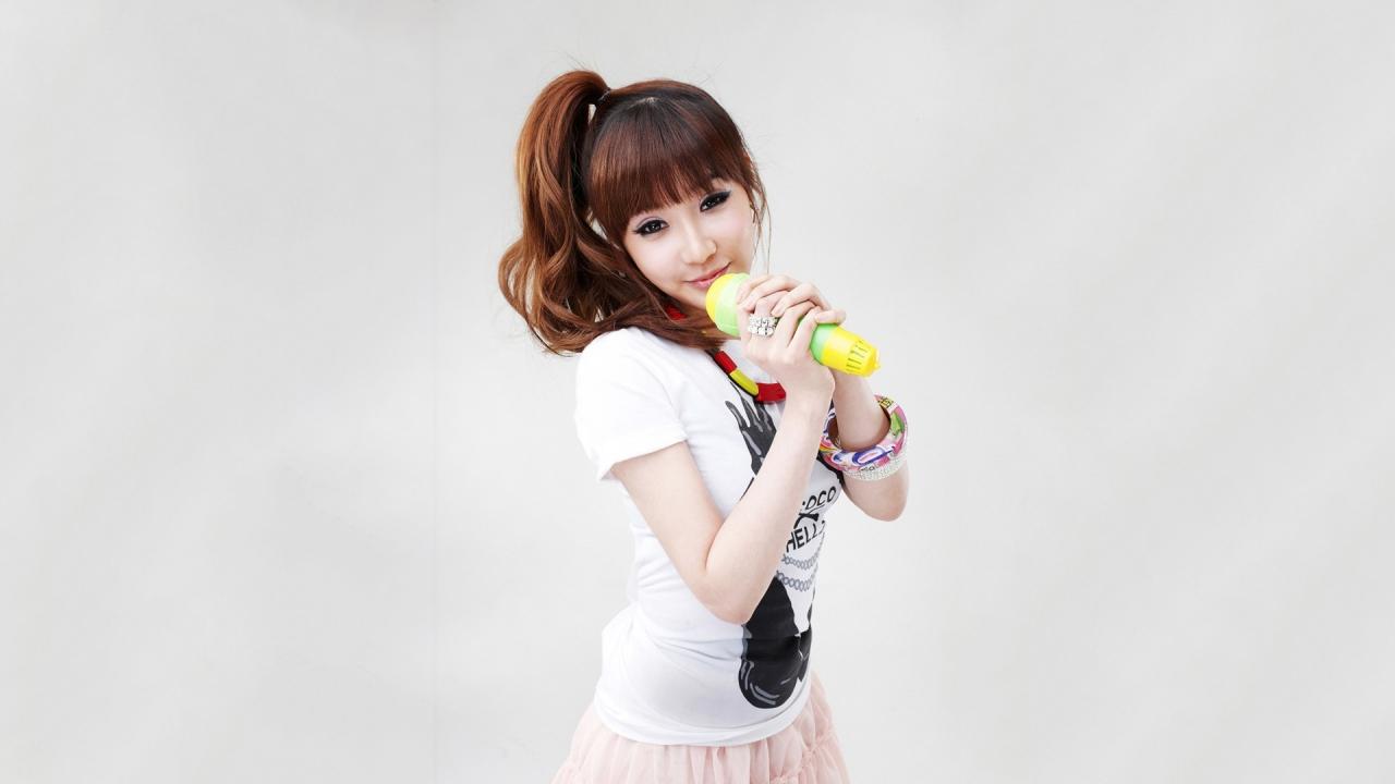 Chicas asiáticas de 2NE1 - 1280x720