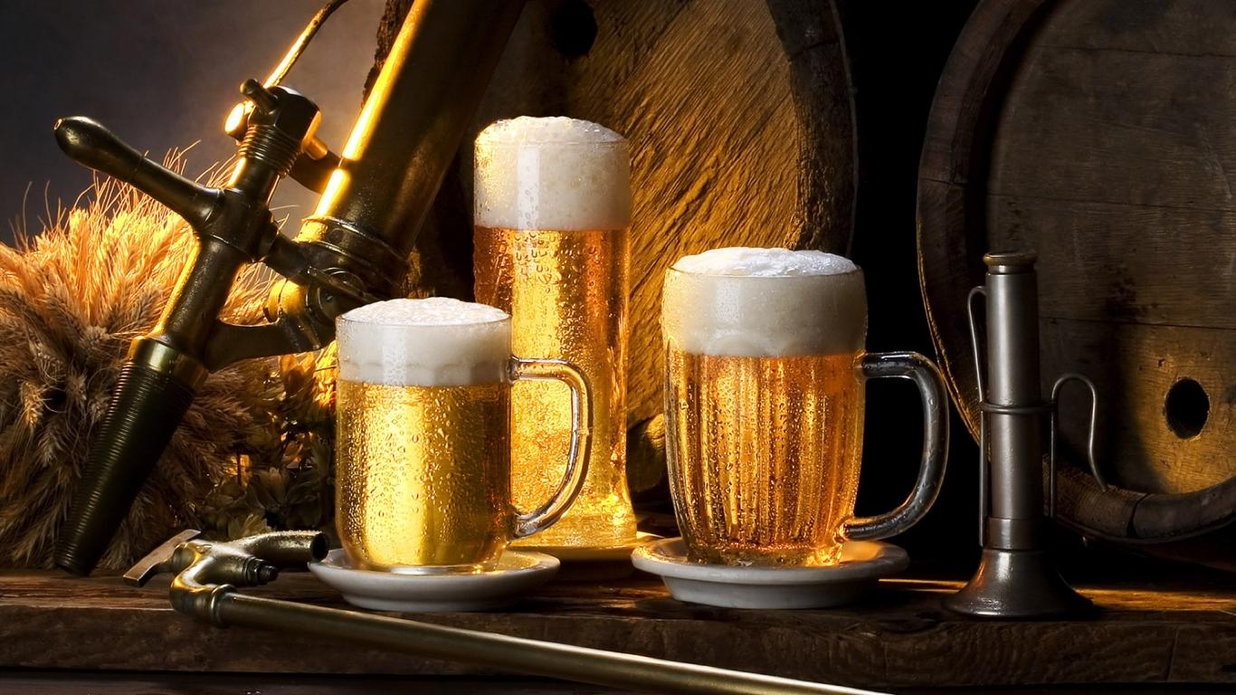 Chops de cerveza - 1366x768
